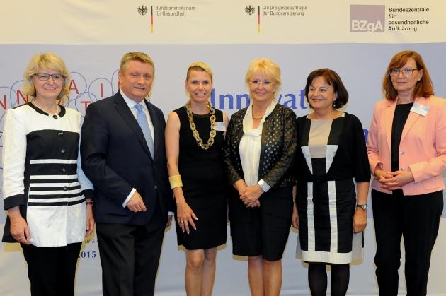 Foto der Preisträgerinnen und der Auslober des Wettbewerbs, ©BZgA, Foto: Christian Hahn, Berlin